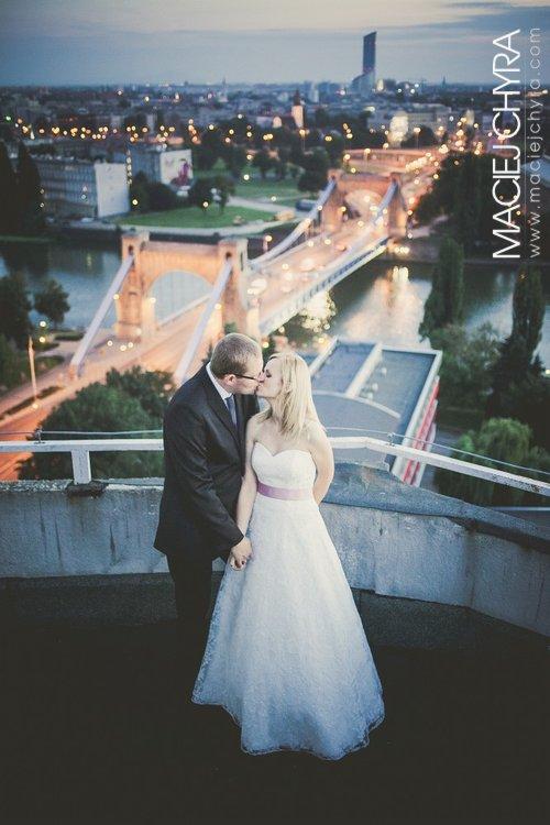 Wrocław - ślubna sesja plenerowa na Placu Grunwaldzkim